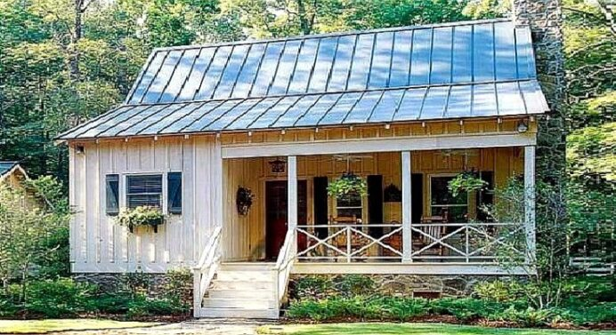 Perfect-for-a-couple-or-small-family-2-Bedroom-Cabin-House COTTAGE CABIN AND COTTAGE DECORATING
