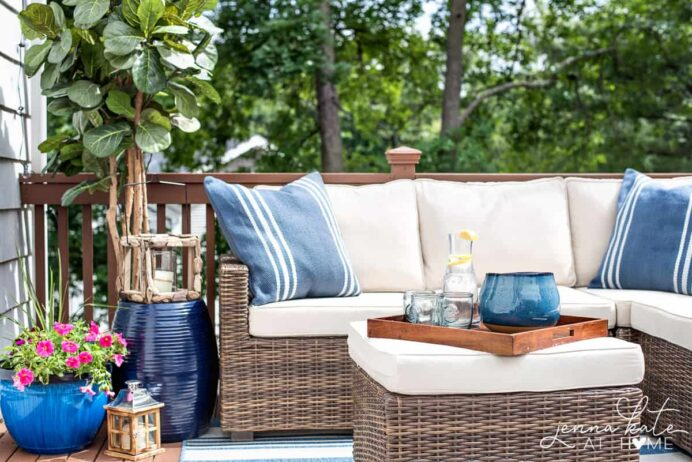 small-deck-decorating-ideas-with-string-lighting Deck Inspired Small Deck Ideas