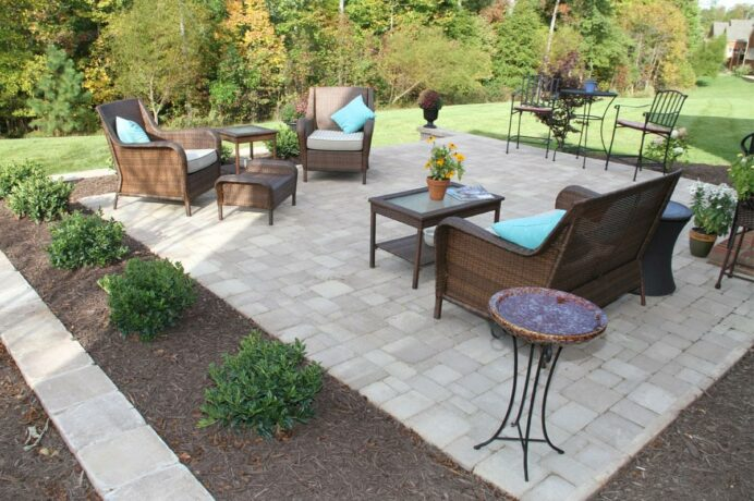 hardscape-patio-ideas-from-sauders-supply_home-elements-and-style Deck Inspired Small Deck Ideas