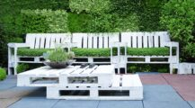 painted-pallet-planter-chairs Garden Inventive Pallet Fence Ideas